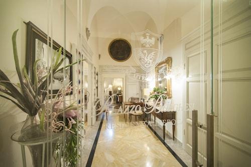 波爾蓋斯時代宮住宅飯店