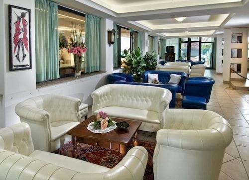 鬱金香國民飯店