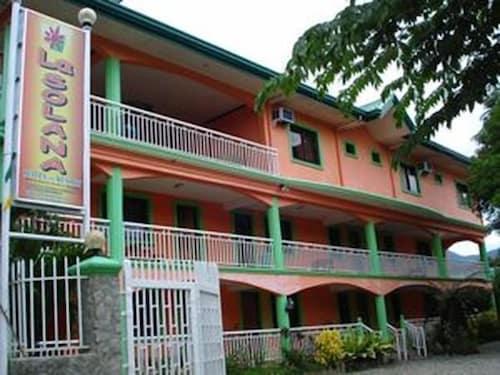 索拉納套房飯店及渡假村