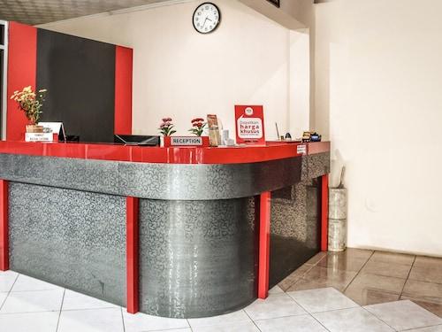 庫塔奧布羅大門渡假尼達飯店 - 峇里島瑟倫尼招待所