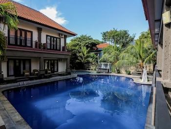 普里格倫辛 1 號雷吉安尼達飯店 - 塔曼提塔阿玉泳池及大廈