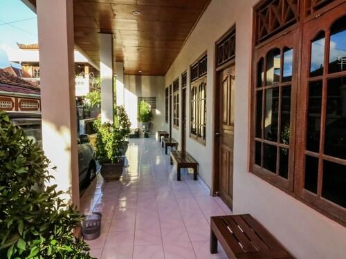 庫布安雅 45 號雷吉安尼達飯店 - 瓦拉普沙利旅館