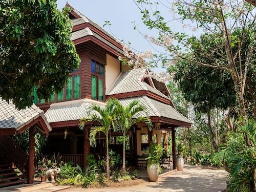 儂克瓦杭東小屋尼達飯店