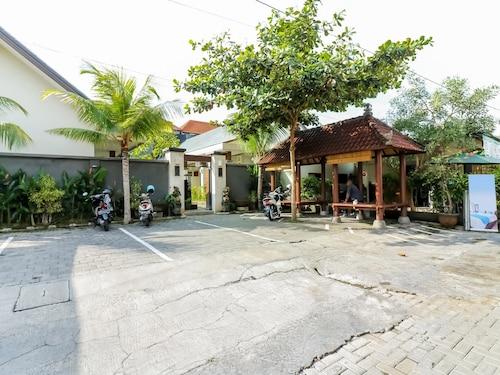 巴杜爾薩里沙努爾海灘尼達飯店 - 彭杜克因塔蘭民宿
