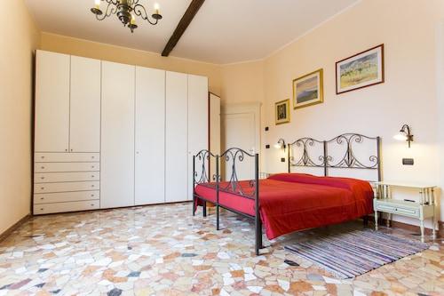 彼得羅尼街公寓飯店
