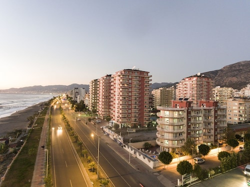 米蘭海灘家庭飯店