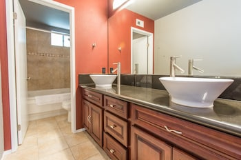 Expansive 2BR in South Park by Sonder