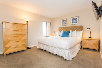 Oceanfront 2BR in Pacific Beach by Sonder