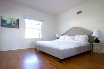 Architectural 3BR in Beverly Hills by Sonder