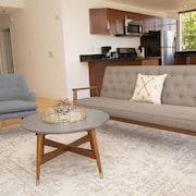 Airy 2BR in Beverly Hills by Sonder