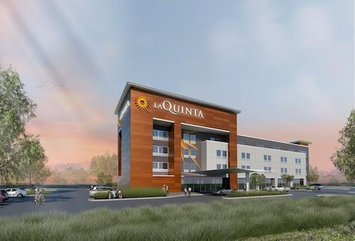 達拉斯 - 理查森拉昆塔旅舍與套房飯店