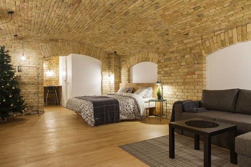 湯米老城開放式公寓飯店
