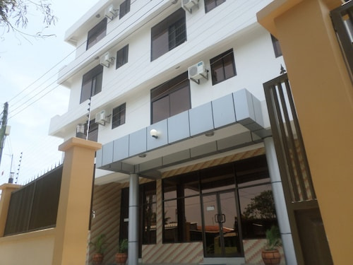 新薩瑪姆波薩薩景觀行政飯店