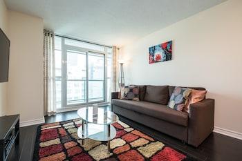 QuickStay - Luxury Condo (CN Tower View)