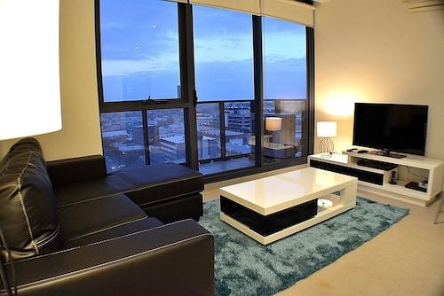 聖克拉倫登皇家住宿公寓飯店
