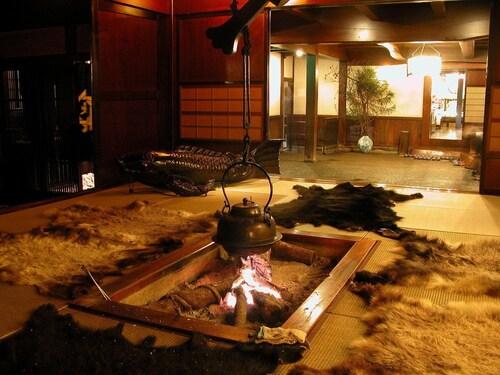 湯元長座旅館