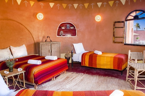 棕櫚樹野營飯店