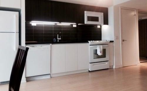 羅傑斯中心城市公寓式客房飯店