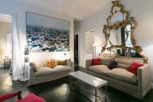 巴黎香榭麗舍超時尚套房飯店