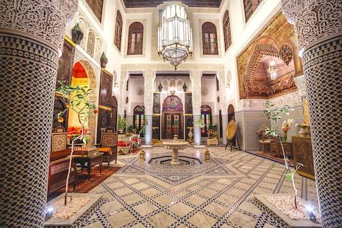里雅德菲斯瑪雅飯店