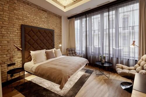 布達佩斯閣樓飯店