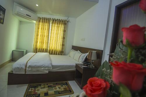 普拉賈蒂旅館飯店