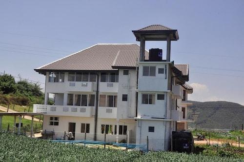 山區平房飯店