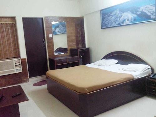 孟拜住宿旅館