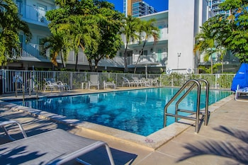 Park Royal Miami Beach A Vri Resort 16 2 Miles From Port Everglades Cruise Terminal