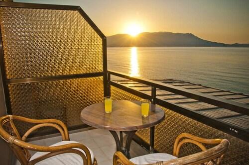 阿克羅基亞里飯店