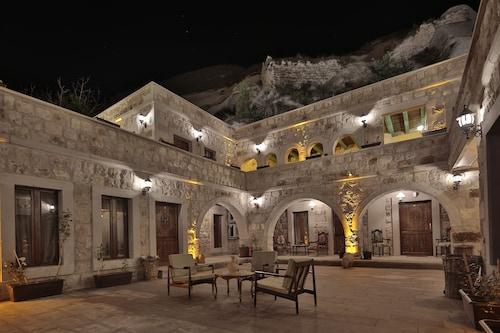 古茲特洞穴飯店