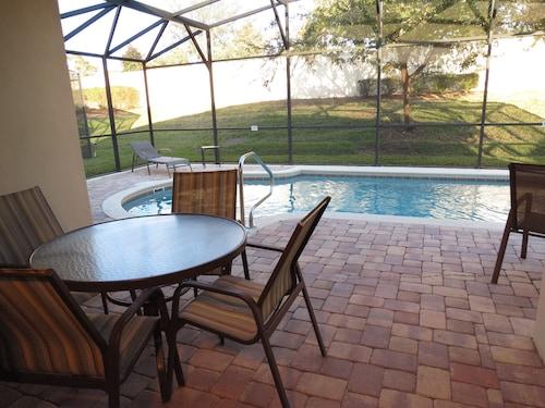 美國綠寶石游泳池之家飯店