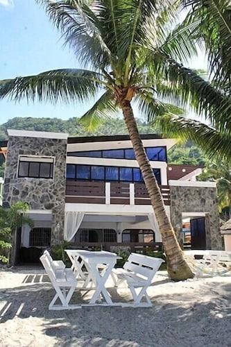 迪魯納潛水渡假村飯店