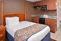 Room, 1 Queen Bed, Non Smoking, Kitchenette