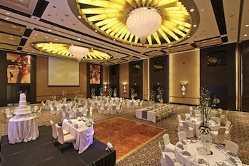 Bellevue Hotel Alabang Ballroom