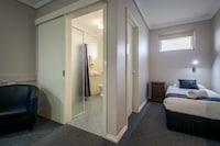 Deluxe Room (Breakfast included)