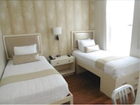 Modern Twin Room, 2 Twin Beds, Private Bathroom