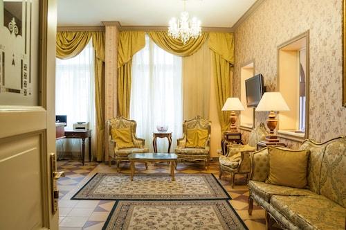 拉法埃羅飯店