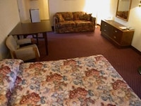 Family Suite, 2 Queen Beds, Non Smoking