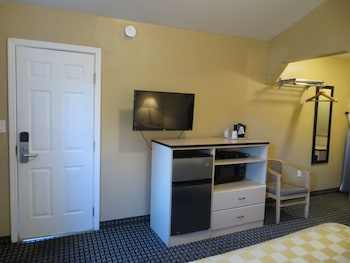 Napa Discovery Inn - Napa, CA 94559 - Guestroom