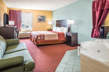 Super 8 - Troy - Troy, IL 62294 - Guestroom
