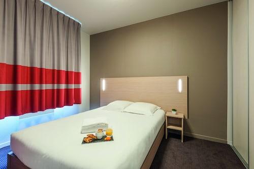 城市公寓里昂迪爾加利巴爾迪飯店