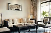 Royal Sea View Suites