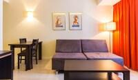 Apartment (1-4 people - refurbished/reformado)