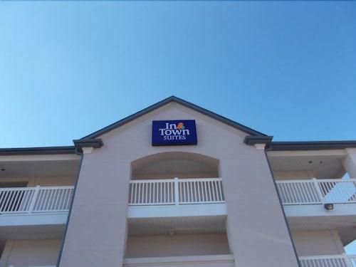 格林斯伯勒城中套房飯店