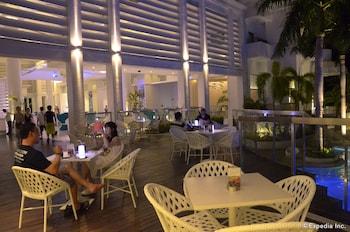 Movenpick Hotel Cebu Property Grounds