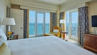 Four Seasons, Deluxe Suite, Executive Level
