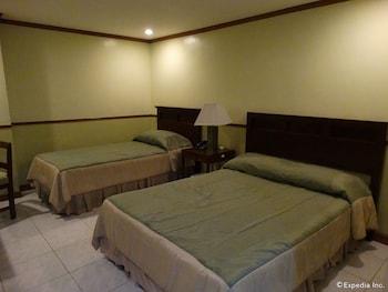 The Garden Plaza Hotel & Suites Manila Guestroom