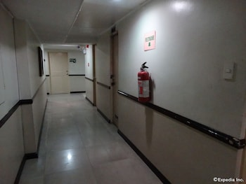The Garden Plaza Hotel & Suites Manila Hallway