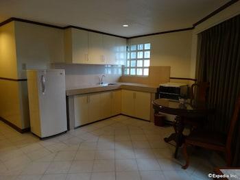 The Garden Plaza Hotel & Suites Manila In-Room Kitchen